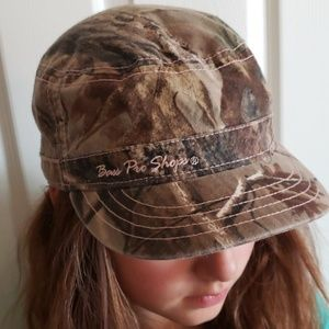 Accessories - BassPro ladies RealTree Cap